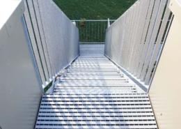 Lichtgitter-Barfussroste-und-Stufen-Treppenanlage